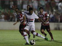 Com apoio da torcida, Kelvin marca e Tricolor empata em Rio Preto