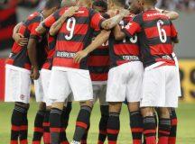 Flamengo joga melhor, sai na frente, mas empata com o Vasco