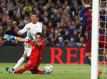 Real Madrid vira o jogo e vence o Barcelona por 2 a 1 no Camp Nou