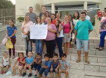 Mães da Creche Nosso Cantinho protestaram contra corte no repasse