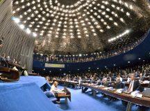 Senadores protocolam PEC que prevê eleição presidencial em outubro deste ano