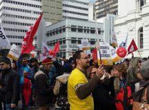 """Professores fizeram protesto em lembrança ao """"Massacre de 29 de Abril"""""""
