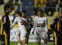 Com emoção até o fim, Tricolor arranca empate e avança para as oitavas da Libertadores
