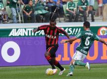 Atlético Paranaense é goleado pelo Palmeiras na estreia no Brasileirão 2016