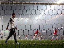 Corinthians é eliminado da Libertadores com empate em casa