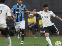 Corinthians empata com Grêmio na estreia do Brasileirão 2016