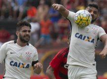 Corinthians faz 2 a 0 no Sport e traz mais três pontos do Recife pelo Brasileirão