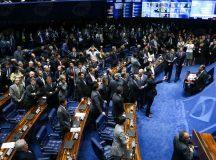 Senado define na terça novo cronograma do processo de impeachment de Dilma