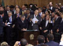 Temer dá posse a novos ministros; número de pastas cai de 32 para 23