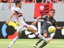 Em jogo disputado, Flamengo e São Paulo empatam em Brasília