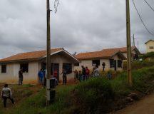 """Grupo organizado invade casas """"abandonadas"""" do Sub-50 na Vila Santo Antônio"""