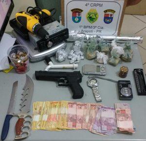 Drogas e materiais apreendidos pela PM em casa no J. Ceres