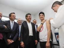 Richa anuncia vacinação contra dengue para 500 mil pessoas, em 30 municípios