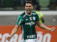 Palmeiras goleia Figueirense no Allianz Parque e se isola na liderança do Brasileirão