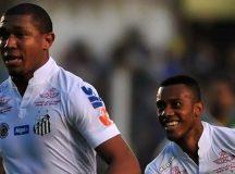 Na Vila Belmiro, Santos bate Chapecoense e volta ao G4 do Brasileiro