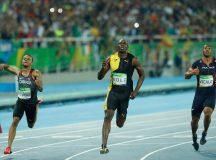 Usain Bolt faz história com tricampeonato nos 100 metros rasos