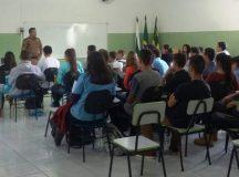 PM ministra palestra para alunos em Jaguariaíva