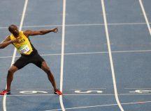 Bolt conquista tricampeonato também nos 200 metros e leva Engenhão ao delírio
