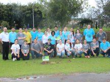 Colaboradores do Sicredi plantam mais de 200 mudas de Ipê no Parque Linear de Jaguariaíva