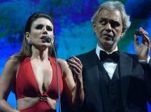 Convidada por Andrea Bocelli, Paula Fernandes abandona música em show