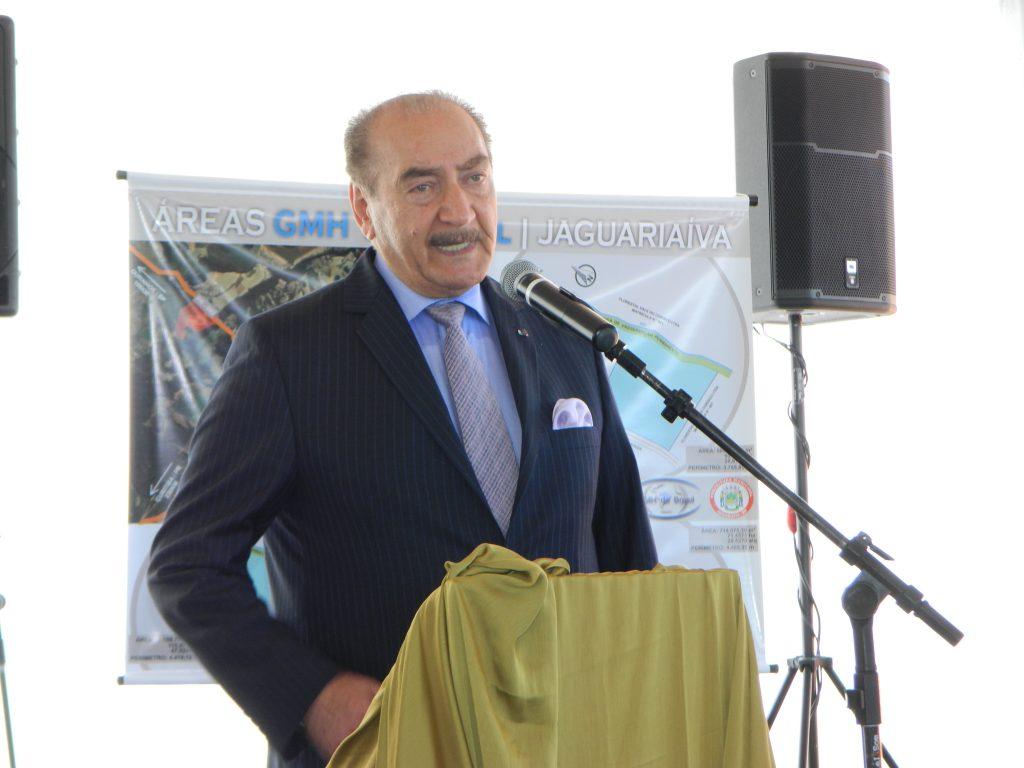 O maganta árabe Nadhmi Auchi é um dos homens mais ricos do mundo. (Diego Soares/Folha Paranaense)