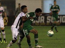 Com time misto, Chapecoense empata em 1ª partida oficial após tragédia