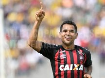 Atlético vence em Cascavel e garante vaga nas semifinais