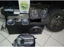 Após perseguição, PM recupera produtos furtados de veículo