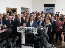 Governador Beto Richa em reuni‹o com secretariado e em coletiva com a imprensa para anœncio da descompatibiliza‹o do cargo ˆ partir de 06 de abril. Curitiba, 26/03/2018 Foto: Orlando Kissner / ANPr