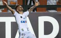 Santos vence Nacional e assume segundo lugar do grupo na Libertadores
