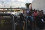 Manifestação de caminhoneiros contra o reajuste nos preços do óleo diesel, ainda trava pontos da Rodovia Presidente Dutra.