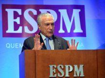 O presidente Michel Temer discursa no fórum Riscos para Negócios Internacionais, na Escola Superior de Propaganda e Marketing (ESPM), em São Paulo.