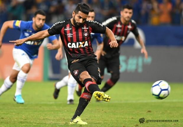 Agora o Furacão volta as atenções para a disputa da Conmebol Sul-Americana.  Na quinta-feira (26) 7b49fd69c7de8