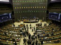 Plenário da Câmara dos Deputados aprova o texto-base da proposta que cria um novo marco regulatório para o transporte rodoviário de cargas no País (PL 4860/16).