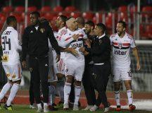 Diego Souza marca, e São Paulo bate o Bahia