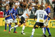 Com gol de Henrique no último minuto, Timão empata com São Caetano