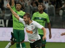 No sufoco, Corinthians vence o Avenida de virada e avança na Copa do Brasil