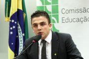 Aliel convoca ministro Vélez Rodríguez para Comissão de Educação