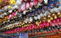 A pesquisa de preços de produtos típicos da Páscoa – ovos, coelhos e caixas de bombons – realizada pelo Procon-PR mostra que as diferenças de preços chegam a até 170,21% para um mesmo item comercializado em diversos estabelecimentos.  Foto: SECS