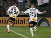Timão vence Chapecoense por 2 a 0 e está nas oitavas da Copa do Brasil