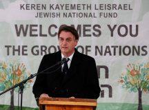 Presidente da República, Jair Bolsonaro, durante cerimônia alusiva ao plantio de muda de oliveira no Bosque das Nações, em Jerusalém, Israel. Foto: Alan Santos/PR