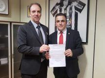 Aliel recebe representante de instituições federais de ensino em Brasília