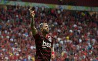Flamengo vence CSA no Mané Garrincha