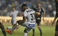 Na Vila Belmiro, o Peixe venceu o Timão por 1 a 0 pela nona rodada do Brasileirão