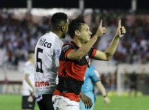 Atlético-GO vira sobre Operário-PR e assume vice-liderança da Série B