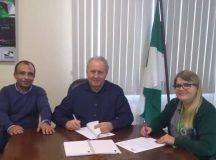 Arapoti firma convênio para abastecimento de água em comunidades rurais