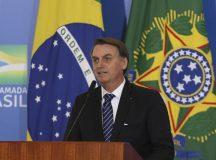 O presidente Jair Bolsonaro, participa de solenidade alusiva à concessão do 13º do Bolsa Família e de anúncio de recursos para Obras Sociais Irmã Dulce.