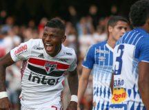 São Paulo vence o Avaí e entra no G4