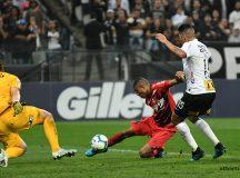 Erick faz o segundo gol para o Furacão. Foto: Divulgação/Athletico Paranaense