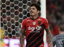 Márcio Azevedo comemora o primeiro gol do Athletico. Foto: Site Oficial Athetico